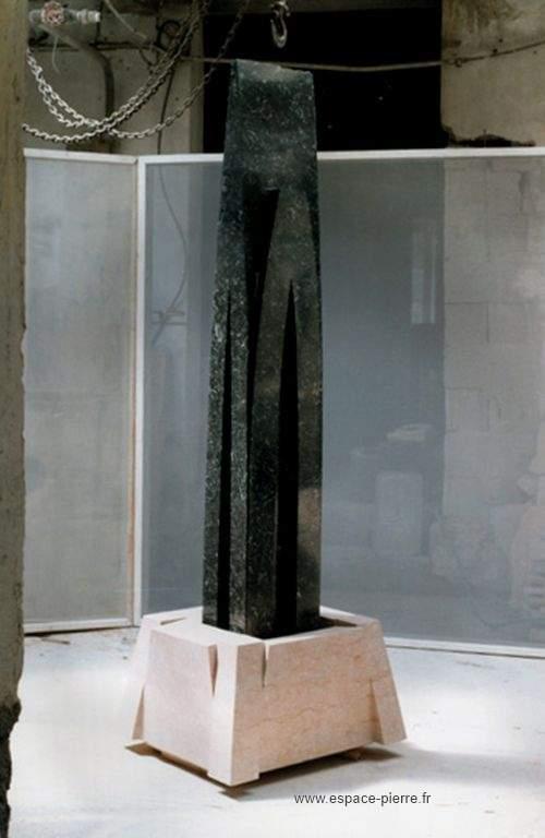 sculptures en pierre atelier de taille de pierre en bourgogne du sud. Black Bedroom Furniture Sets. Home Design Ideas